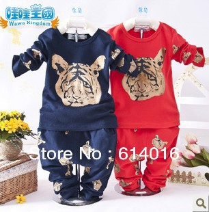 new2013 children clothing set cotton kids casual wear christmas new year boys girls clothes child animal tiger clothes sets red(China (Mainland))