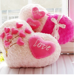 Free shipping~~ Heart-shaped love pillow or sofa cushion for birthday and Valentine's day gift