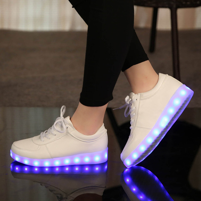 USB//Светящиеся Светящиеся Кроссовки Детей Shoes With Light Up Кроссовки Для Детей Мальчиков и Девочек Корзины Привело Enfant Теннис Led Feminino