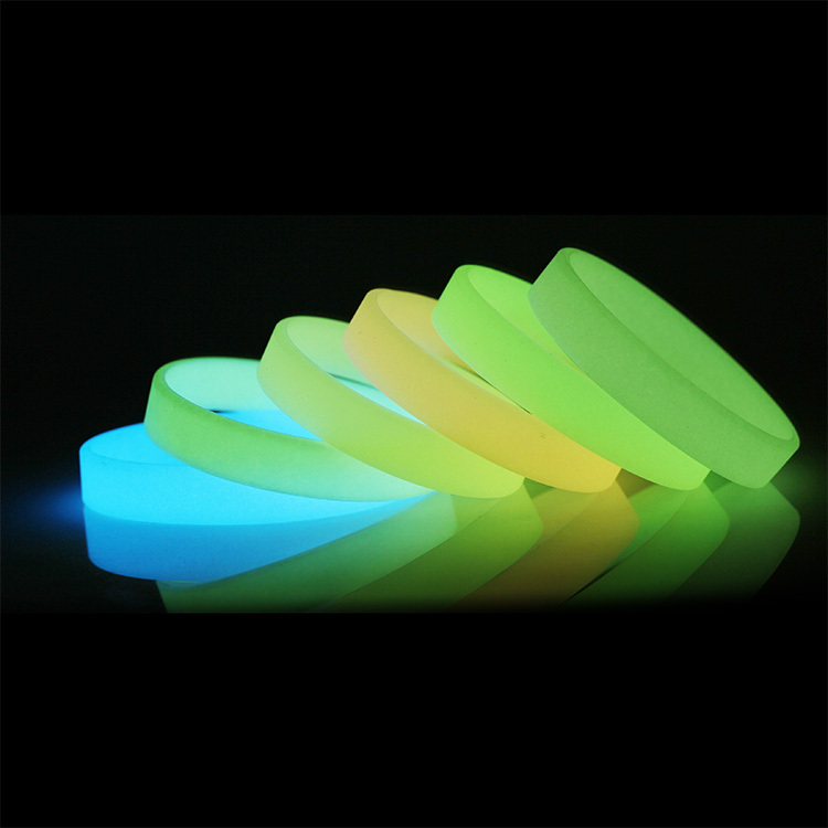 2pcs Luminous Colorful Rubber Bands silicone Bracelet Gum For Bracelets Glow in the Dark Elastic Rubber wristband Bangles(China (Mainland))