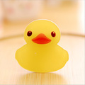 1pcs Cute badges yellow duck children acrylic pin badge symbol cartoon icon package decoration small gifts