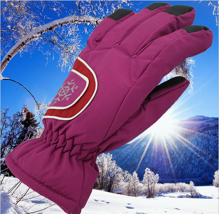 2015 Hot Ladies ski gloves graffiti leisure warm cold wind and waterproof gloves gloves three color printing Free shipping(China (Mainland))