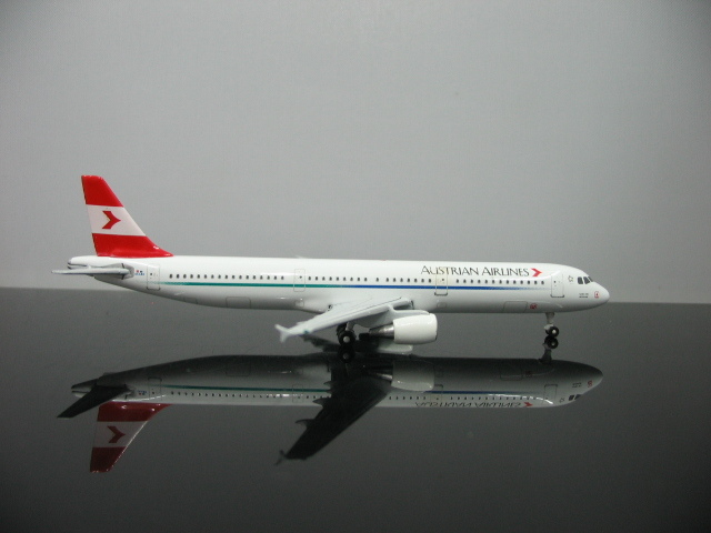 1:500 Austria Airlines Airbus A321 OE-LBD Aircraft Model For Sale Free Shipping(China (Mainland))