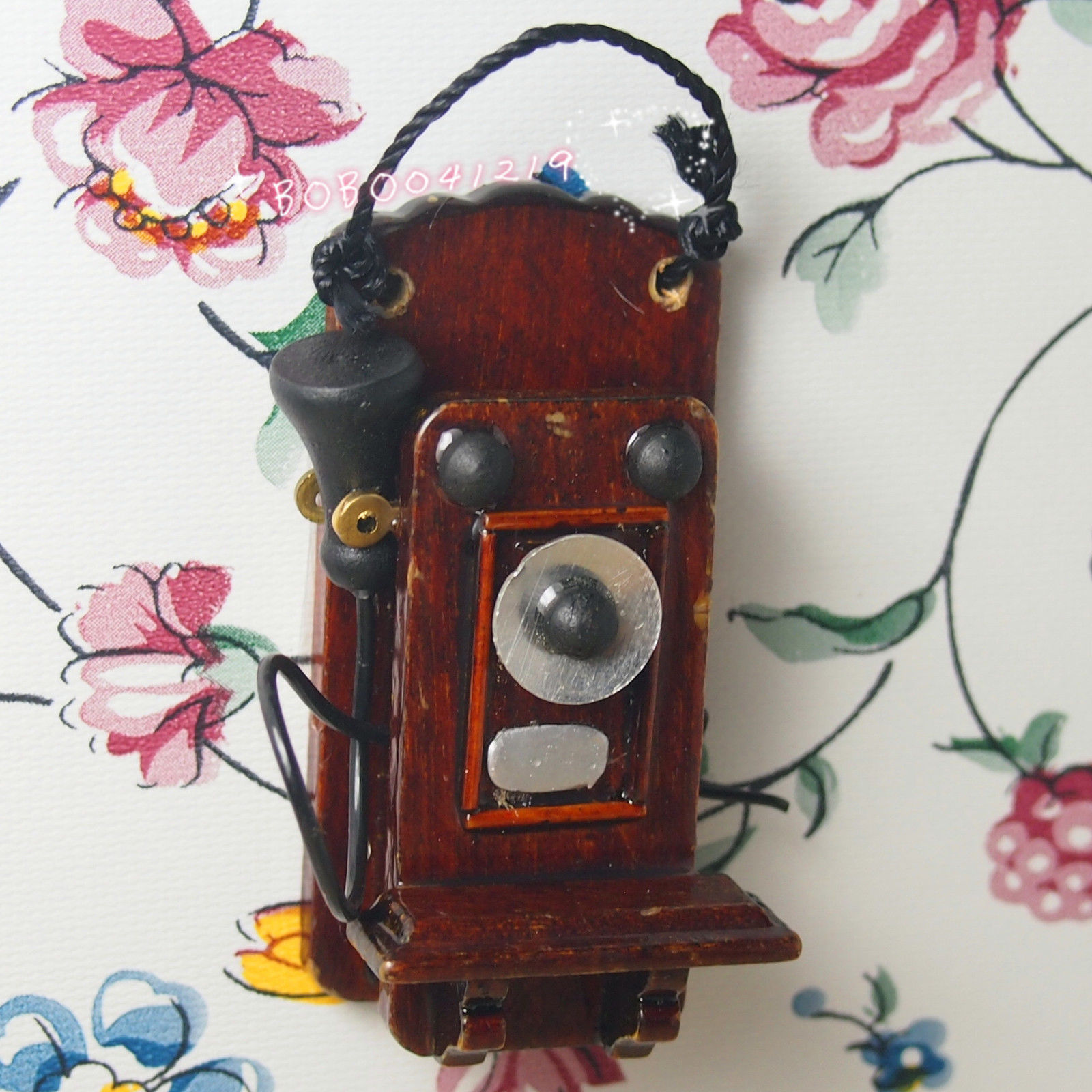 Dollhouse Miniature 1:12 Toy Living Room A Vintage Wooden Wall Telephone RL1330(China (Mainland))