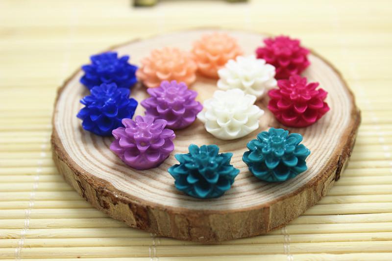 50pcs/lot Resin Chrysanthemum Mum Flower Resin Cabochon for Bobby Pins or Rings 15mm(China (Mainland))