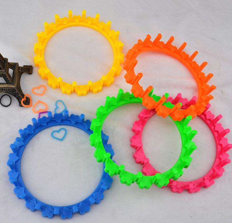 Free Shipping 2014 New loom Rubber Bands Kit looms accessories for diy band dress gifts for kids(China (Mainland))