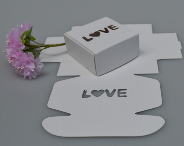 Size 6.5*6.5*3cm, white paper gift box , paper gift packaging box small , LOVE weddding favor paper white gift box(China (Mainland))