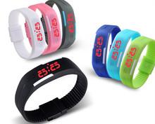 Nuevos 2015 calientes de los nuevos hombres ultrafinos deportes de la muchacha de silicona LED Digital reloj de pulsera deportivo