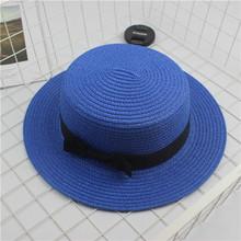 Sombrero de Sol de moda para padres y niños bonitos sombreros de sol con lazo hecho a mano gorro de paja sombrero de ala grande de playa gorra de verano glris casual(China)