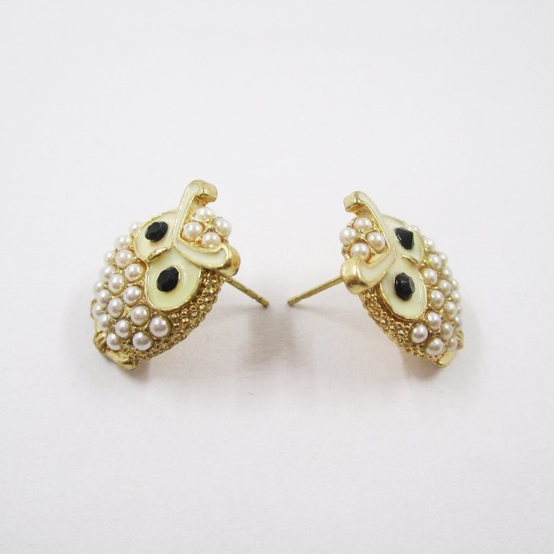 pics for gt cool stud earrings for girls