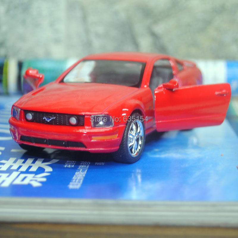 Wholesale 10pcs/pack Brand New 1/38 Scale KINGSMART Pull Back Car Toys 2006 Ford Mustang GT Diecast Metal Car Model Toy(China (Mainland))