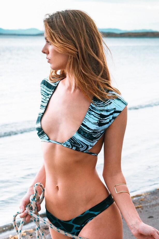 Bikini bootlegger contest