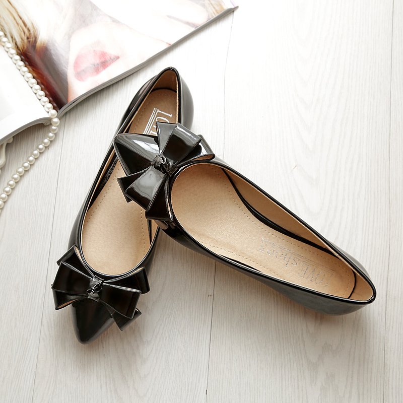 Spring Summer 2017 Women Pointed Toe Flats Bow Shoes Women Low Heel Casual Flats Black Red Pink Leather Flats Slip Shoes Bow