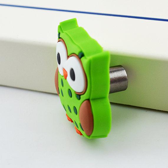 Kids dresser pulls drawer pull handles knobs green owl for Children s bureau knobs