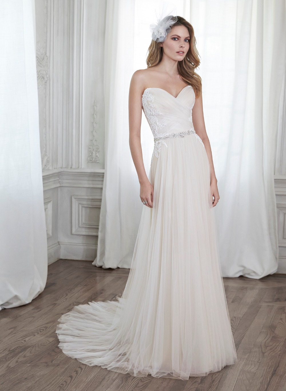 Being The Price!Good Quality!White Wedding Dress 2015 Vestido Sweetheart Led Beads Decoration Vestido(China (Mainland))
