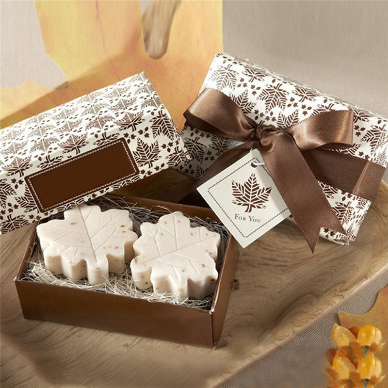 2pcs/set Handmade Maple Leaf Design Bath Soap Wedding Party Valentine Love Gift cleaning soap drop shipping(China (Mainland))