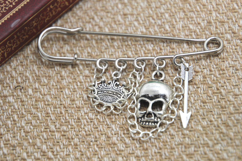 12pcs Shakespeare inspired Hamlet themed charm with chain font b kilt b font pin brooch 50mm