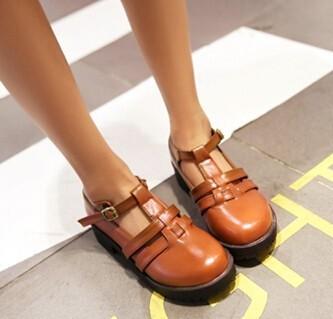 2015 году британский стиль плоские платформы лианы обувь вырез резные полуботинок hasp для женщин мода кроссовки обувь дамы студентов