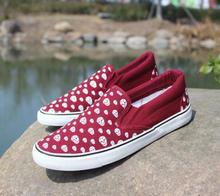 2015 spring and summer sets of foot men s casual flat bottom canvas shoes couple shoes