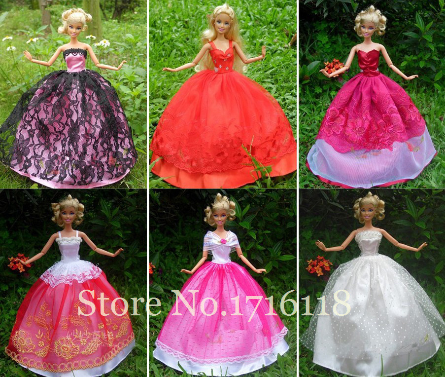 Random Decide 30Pcs=10Pcs Princess Doll Marriage ceremony Gown Robe + 10 Sneakers + 10 Pink Hangers  For Barbie Doll Equipment  Child Toy