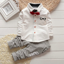 2015 Korean Baby Boy girls Clothing Sets children Bow tie T-shirts glasses cartoon+ pants kids cotton cardigan two piece suit(China (Mainland))