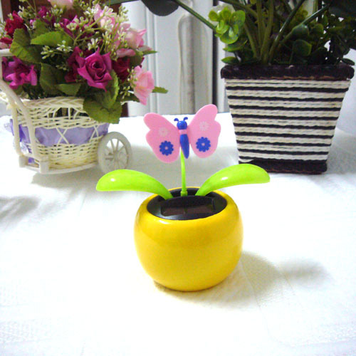 Swing Ceaselessly No Battery Under Full Light Car Decoration Butterfly Top Novelty Toy Happy Dancing Solar Flower Flip Flap(China (Mainland))