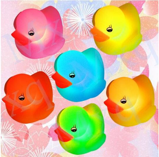 Yellow Duck Bath Flashing Light Toy, Baby Kits Bathroom toys, Led Change Multi Colors Bath Duck, Lovely Gift for Child(China (Mainland))