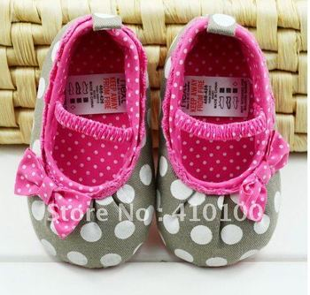 S021 Very Cute children's shoe  Gray dot Baby Shoes color Rose red soft sole  baby shoe Girls Warm