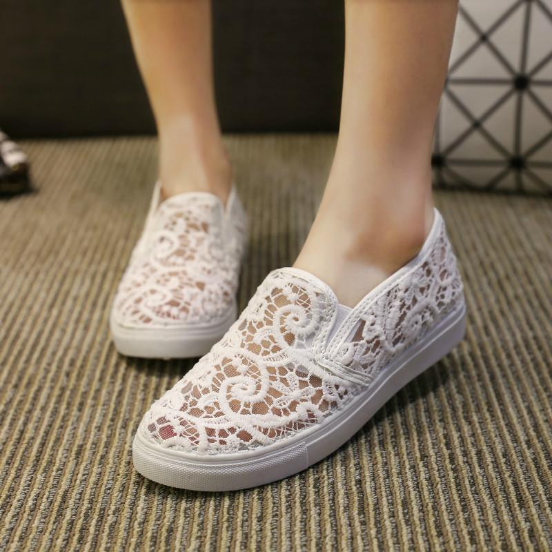New Spring Summer 2016 Lace Shoes Ladies Fashion Hollow Out Shoes Woman Large Size Flat Leisure Boat Shoes White Loafers Shoes