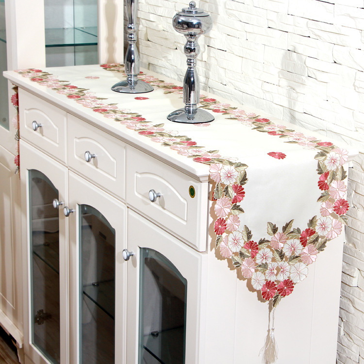 2016 New Hot Sale Elegant Floral Embroidery Table Runner Decoration Flag Runners Pink Flowers Cutwork Embroidered Cloth Covers(China (Mainland))