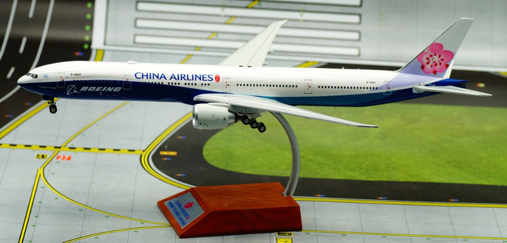 if 200 1: 200 China Airlines Boeing 777-300ER B-18007 alloy aircraft model Limited Collector Model(China (Mainland))