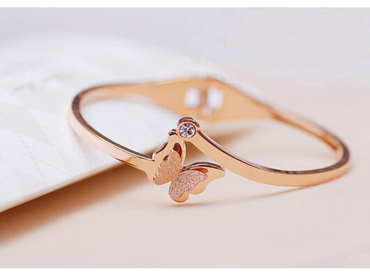 Frosted Butterfly 18K rose gold rhinestone Elasticity bracelet titanium steel bracelet girls new year gift(China (Mainland))