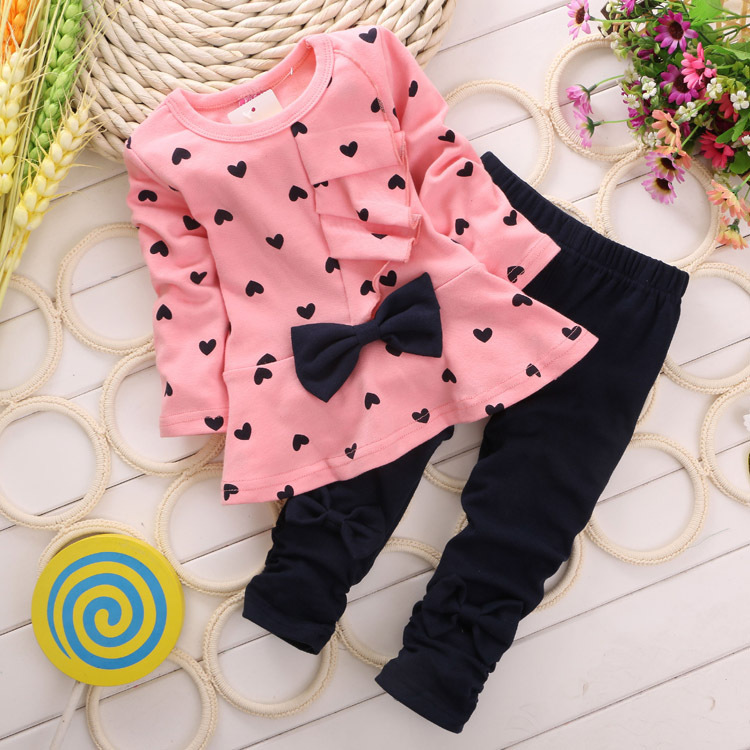 2014 New Baby Girl Clothing sets Heart-shaped Print Bow Cute 2PCS kids Set girl Clothes Children Suit Top T shirt + Pants(China (Mainland))