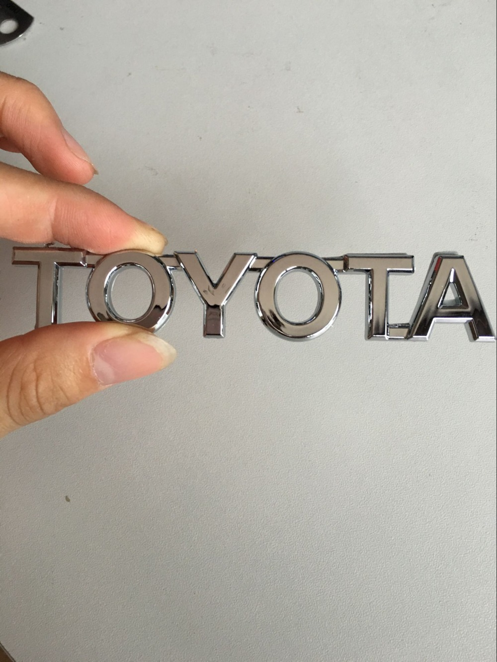 2016 new ABS Chrome TOYOTA logo Car Stickers Emblem Badge Auto rear trunk Decals for COROLLA RAV4 Camry CROWN PRIUS REIZ VIOS(China (Mainland))