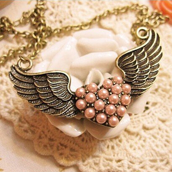 Sunshine store jewelry wholesale heart with wings necklaces & pendants X270 ( $10 free shipping )