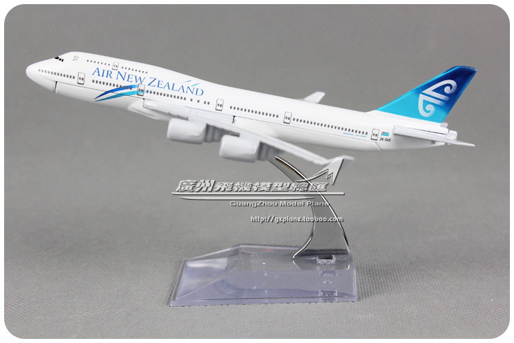 16cm New Zealand B747 400 Airlines Alloy Airplane Model Airways Plane Model Diecast Souvenir Collections Free Shipping(China (Mainland))