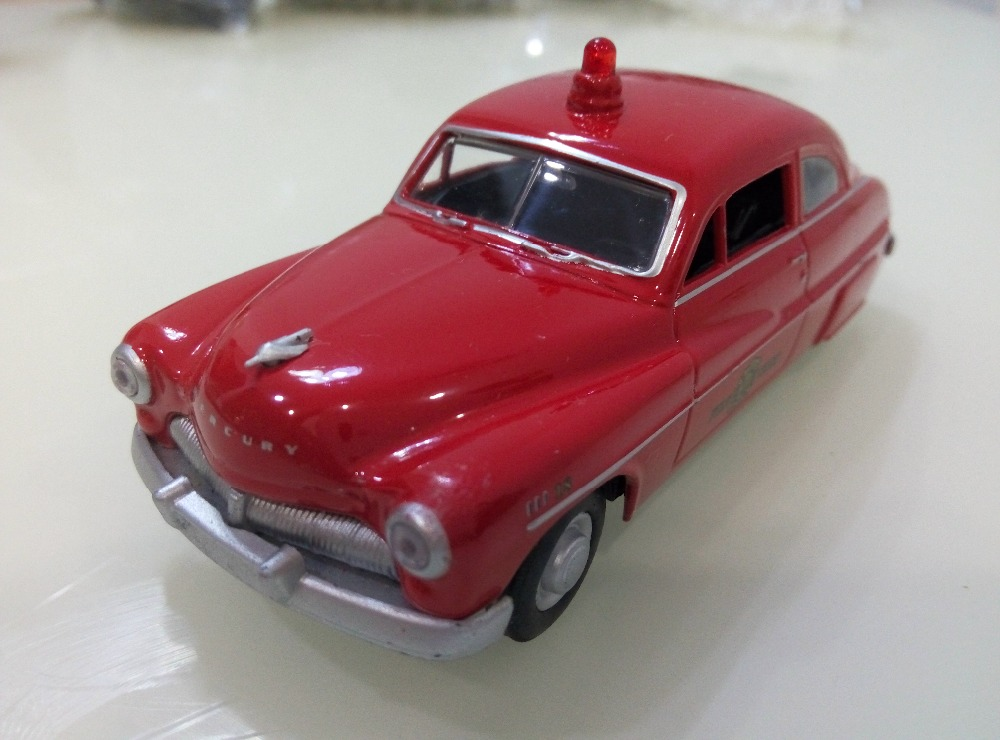 Classic 1/43 1949 Mercury Fire Chief USA Metal Pull Back Car Model Toy For Children/Gift(China (Mainland))