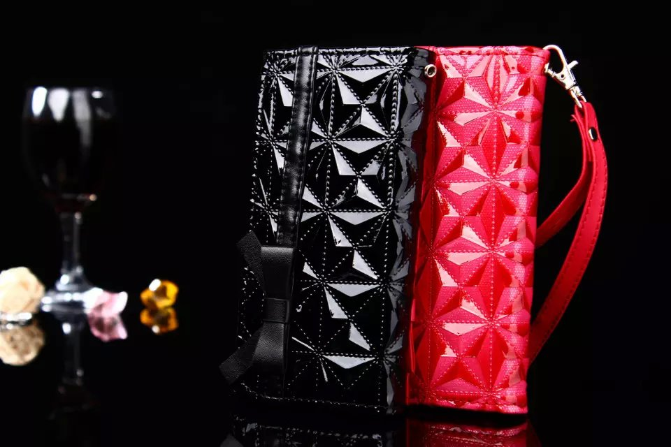 Luxury Bright Leather Flip 3 Flod Wallet Cover Para Case For Apple iPhone 5 5S Fashion 3D Diamond Cover Soft TPU Back Phone Case(China (Mainland))