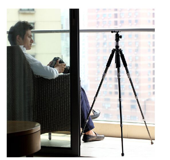 Gnx-8 High-grade carbon fiber tripod can become a professional stand alone Suitable for digital SLR camera(China (Mainland))