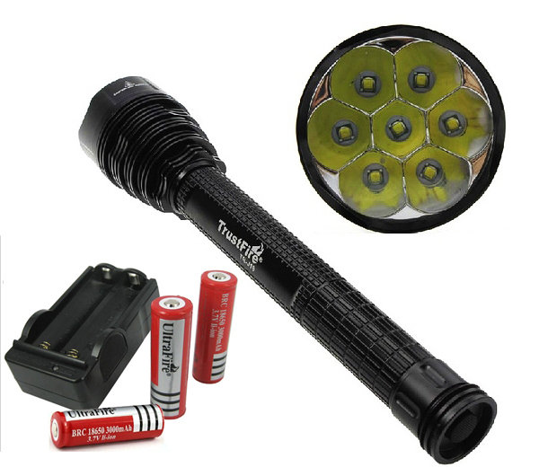 J18 Super Bright LED Flashlight Torch 7T6 7*CREE XML T6 Tactical LED Lantern 8000 Lumens With 3x18650 Battery and EU/US Charger(China (Mainland))