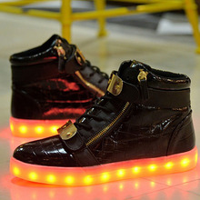 2016 LED Women Lumineux Chaussure Men High Top Light UP Shoes Gz Neutral Gold Cuff Zipper Shoes Moccasin Casual Black White Shoe(China (Mainland))