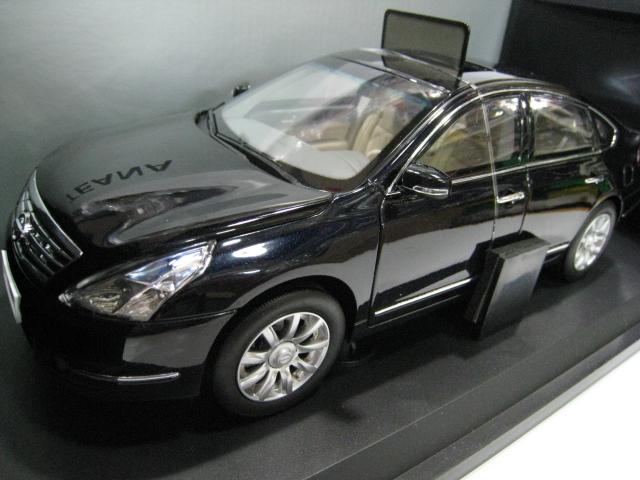 The original 1/18 NISSAN Teana alloy model cars black six to open the door to new Yuan Bao(China (Mainland))