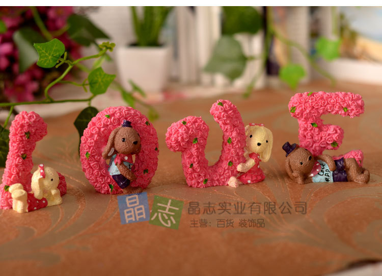 Figurine Car accessories resin furnishing articles version roses love pattern rabbit Garden>Home Decor>>Crafts>Resin Crafts(China (Mainland))