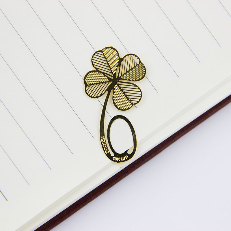1pcs/lot Fashion Metal Hollow Four-leaf Clover Bookmark Reading Mark Notes Learning Stationery(China (Mainland))