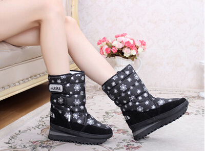 Гаджет  Ladies Winter Snow Boots Tall Classic Feather Women Boots Discount 2015 Fashionable Nylon+Plush Boot Free Shipping None Обувь