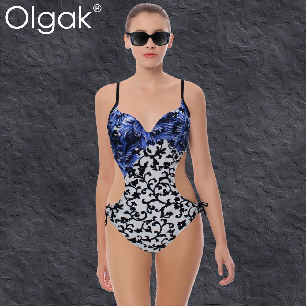 Danna Paola luce bikini de una pieza que le remarcó