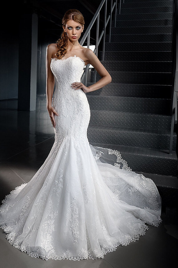 2015 noble summer button mermaid wedding dresses for Wedding dresses with royal length train