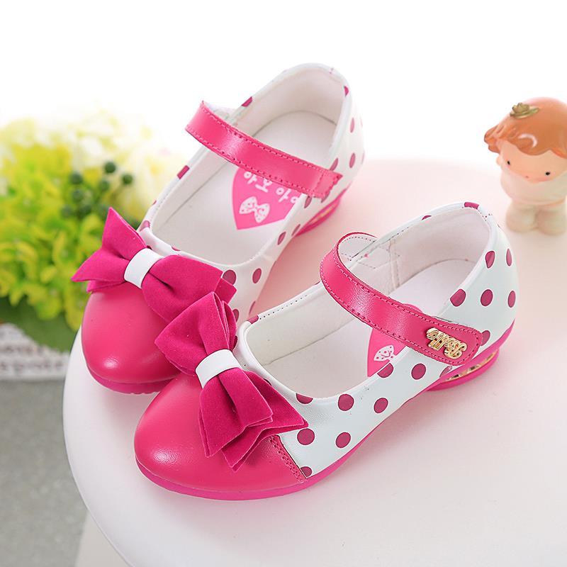 Здесь можно купить   Girls Leather Shoes autumn Fashion Design European Edition Flower Children Shoes Girls Princess Dance Shoes High Heel 125b  Детские товары