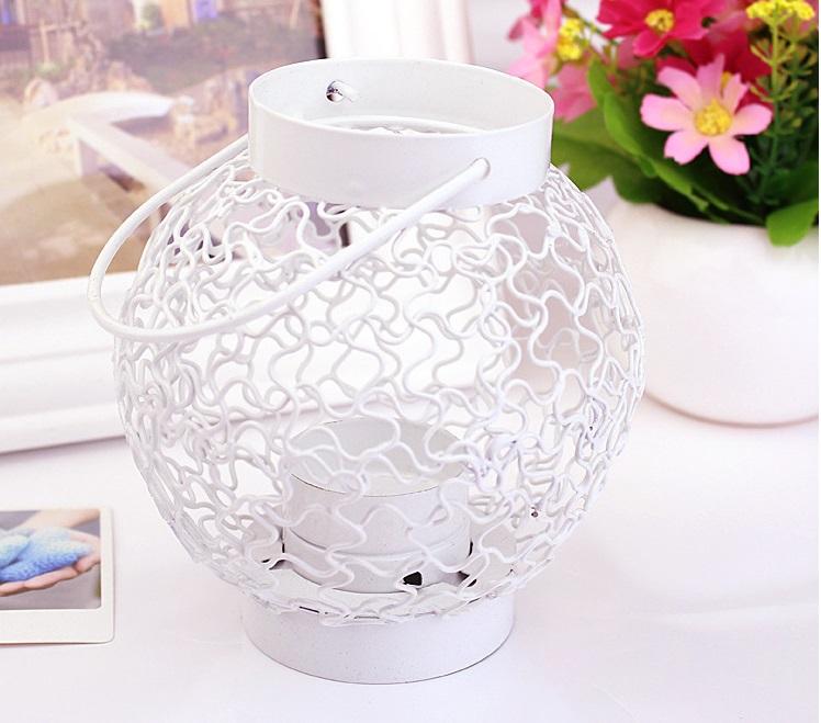 Free shipping Simple Chinese lantern-type iron candlestick / lantern can be hung floor / Creative wedding gifts candlesticks(China (Mainland))