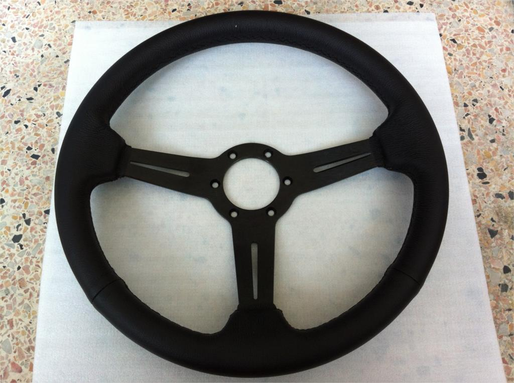 Фотография 2015 new hot universal steering wheel / leather steering wheel racing 14 inch / 350MM steering wheel high quality Spot